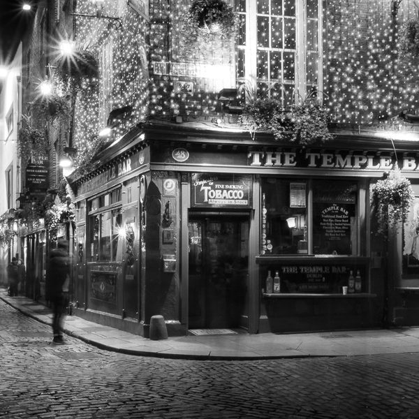 Michael Gissane Photography Ireland Photographer Temple Bar at Night