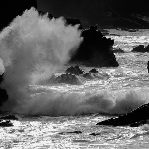 Michael-Gissane-Photography-Ireland-monochrome-wild-atlantic-wave-dingle-kerry-seascape-crashingwaves
