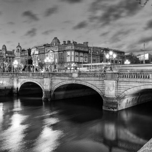 Michael-Gissane-Photography-Ireland-Dublin-Night-Black-White-Bridge-OConnell-Liffey