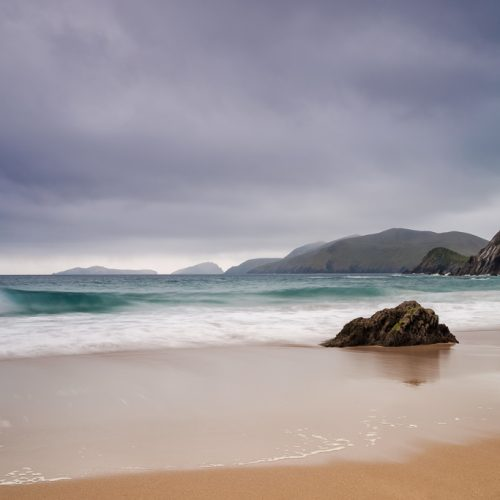 Coumeenole-beach-sleahead-Kerry-wildatlanticway-atlanticocean-ireland-seascape-blasketislands-dingle-westkerry-dunquin-cliffs-rocks-loveireland