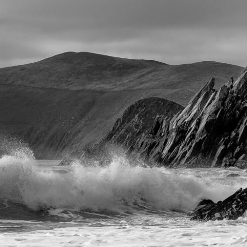 Michael-Gissane-Photography-Ireland-Landscape-wildatlanticway-dingle-coast-atlantic-westofireland-kerry-westkerry-crashing-waves-surf-monochrome-black&white-cliffs-rocks-wild-coumeenole-beach-seascapes-ocean